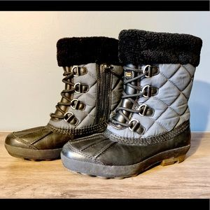 UGG winter snow boots black/blue size 6